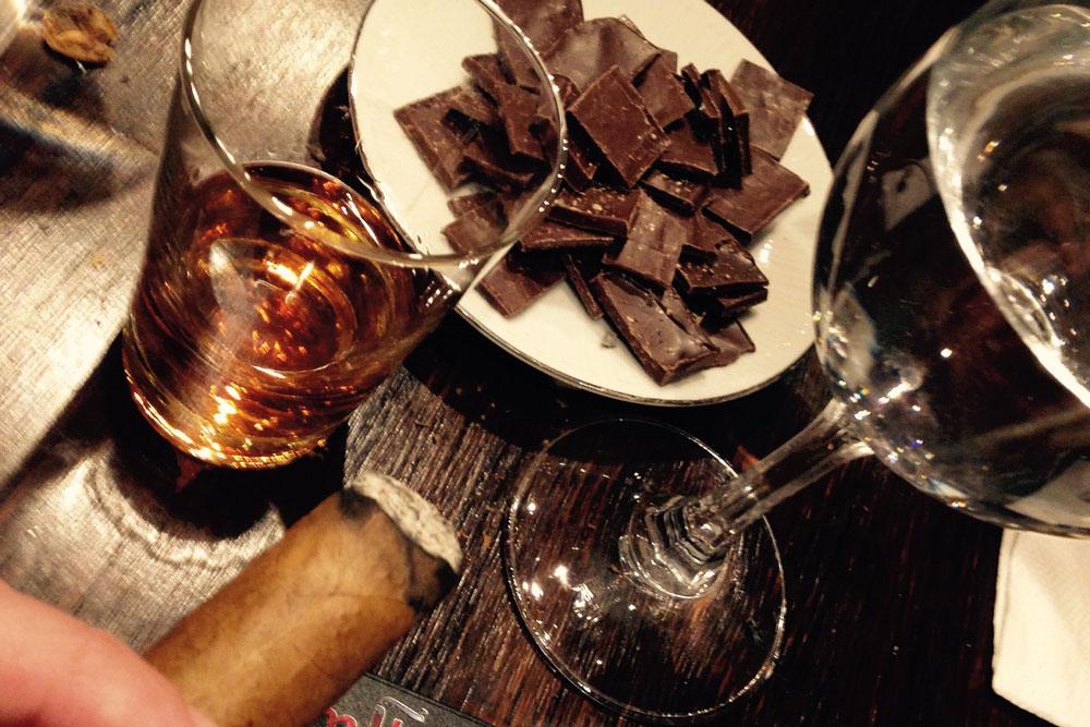 Entre-chocolates,-ron-y-puro-placer2
