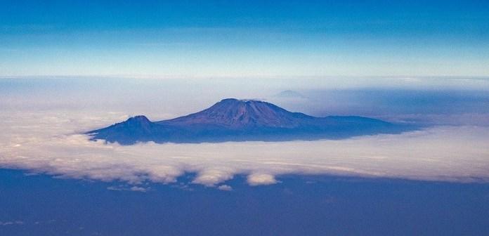 Kilimanjaro, Montanha, Monte Kilimanjaro, Vulcão