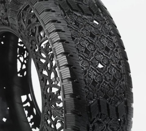 Wim-Delvoye_untitled-car-tyre-No2-detail_2_2009_63f551c55e