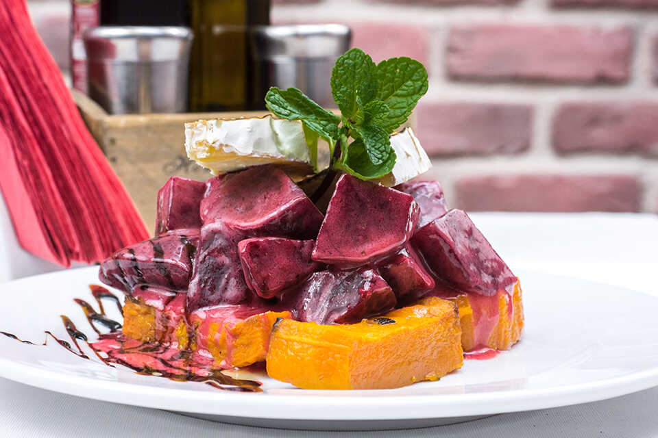 3 dressinguri gustoase şi sănătoase pentru salate