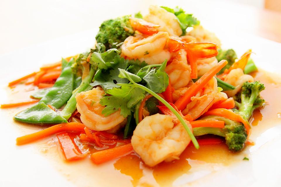 Salată asiatică de creveți