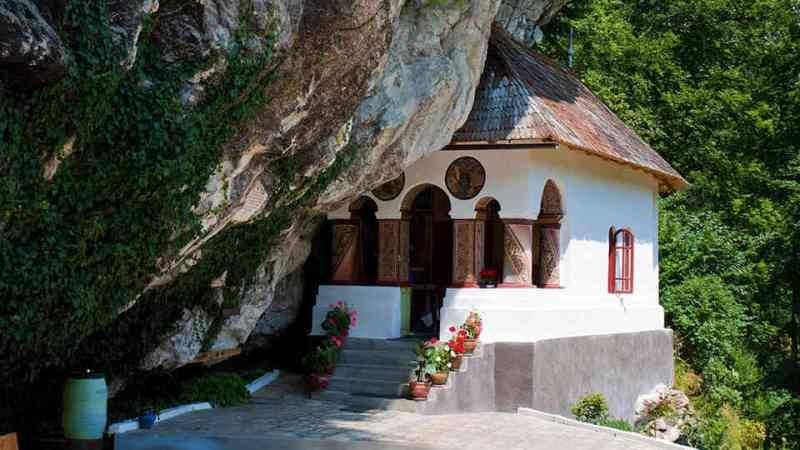 pahomie-manastire