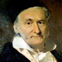 La tiranía de Gauss. Prejuicios y perjuicios de la normalidad en las ciencias sociales