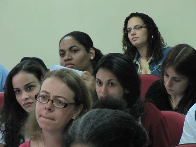 Na aula do último sábado, dia 18 de junho, era notável a grande presença de mulheres, que eram maioria. Crédito da foto: Alan Tygel.