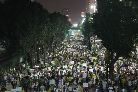 Manifestação na Avenida Presidente Vargas, no Rio, em 20/06 || Foto: Arthur William
