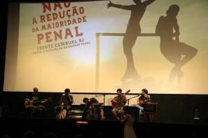 Banda El Efecto abriu a edição do Domingo é dia de cinema