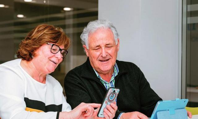 Ayuda a mayores de 60 años