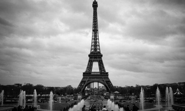 """La síntesis más actual. """"Petit Paris"""", de Justo Navarro"""