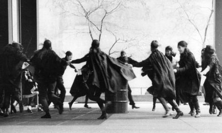 """Su loca alegría de corro de brujas. """"Las Alegres"""", de Ginés Sánchez"""