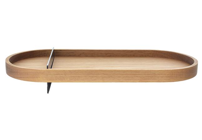 OQ DA CASA | Madeira monobloco usinada e chapas de aço fazem do modelo Flutua um produto com personalidade. A conceituação futurista traz a impressão de uma peça flutuante devido à sua composição