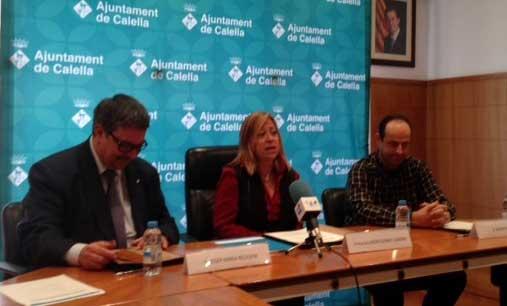 dir.gral de Comerç, Josep Maria Recasens, l'alcaldessa de Calella, Montserrat Candini, i el pt. de l'Associació de Comerciants, Xavier Nogué