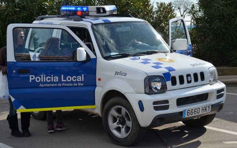 La policía de Pineda ha sido avisada del hallazgo del cadáver