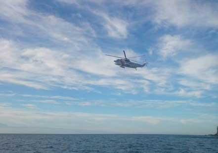 La búsqueda se hace por mar y aire