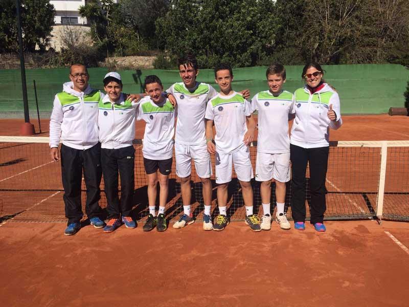 El jugadors del Club de Tennis Cabrils Campions de Catalunya de Clubs 2016 de la Categoria Infantil