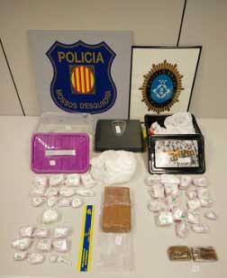 La droga localizada por la policiía local. Foto: Policía de Mataró