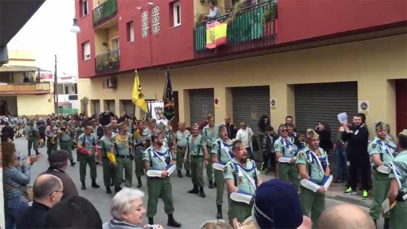 Los legionarios al iniciar el desfile