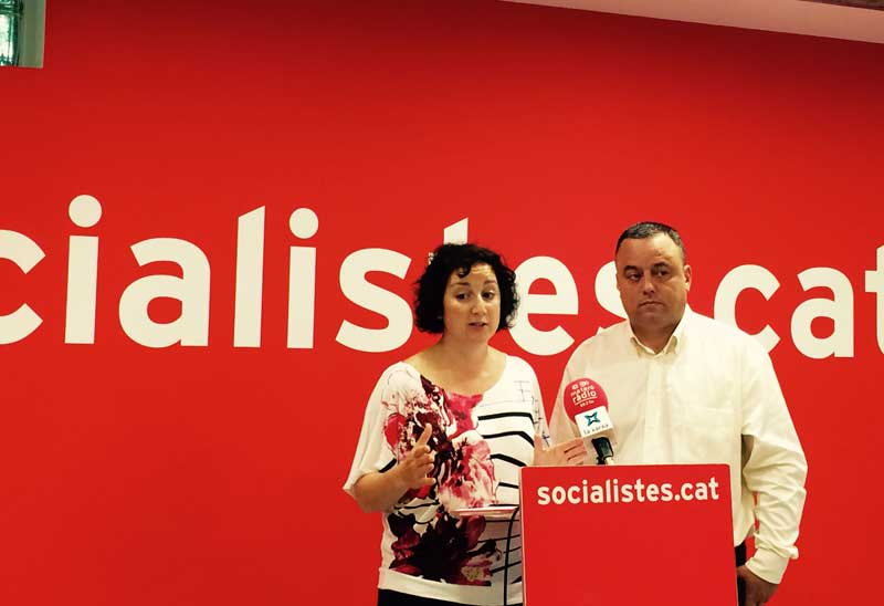 La diputada criticando que la Generalitat solo destine 18 millones a la comarca
