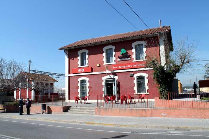 La estación de Les Franqueses, una de las que serán pintadas