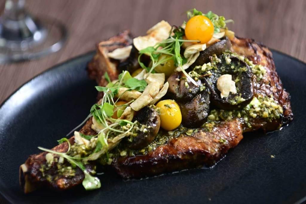 carne en el restaurante El Martelo