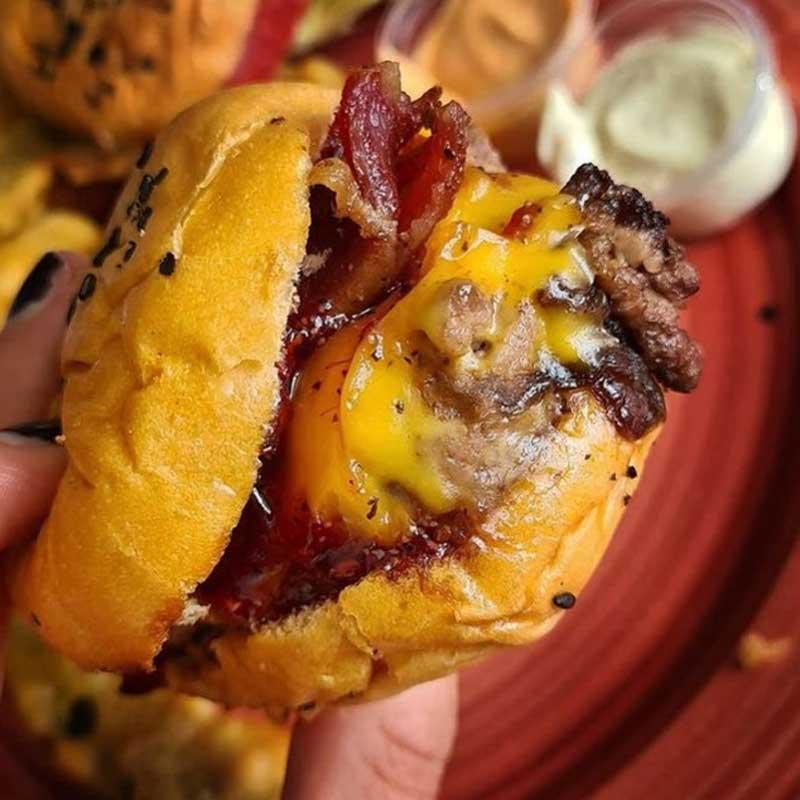 Hache, hamburguesas de colombia