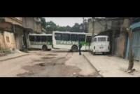 Tráfico usa ônibus para fechar ruas no Rio e na Baixada
