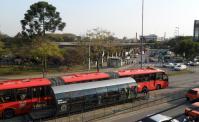 Prefeitura de Curitiba informa que 100% da frota de ônibus circula na cidade nesta tarde de sexta-feira