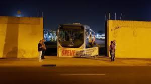 Londrina amanhece com menos 300 ônibus nas ruas