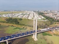 Governo de SP entrega novos ônibus da EMTU