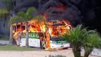 Ônibus da Empresa União pega fogo na BR-282 em Santa Catarina