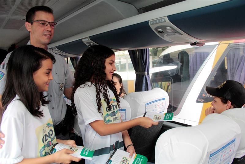 ANTT realiza campanha para uso do cinto de segurança nos ônibus