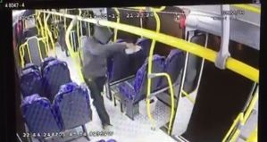 Homem tenta incendiar ônibus em Campos do Jordão
