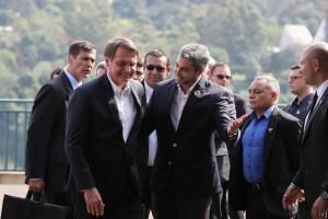 Bolsonaro e presidente do Paraguai lançam nova ponte da integração em Foz do Iguaçu