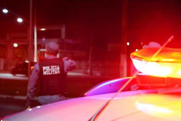Bandidos rendem ônibus e assaltam agência bancária no Sul de Minas