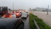 Por causa da forte chuva BR-101 teve trechos interditados em Santa Catarina
