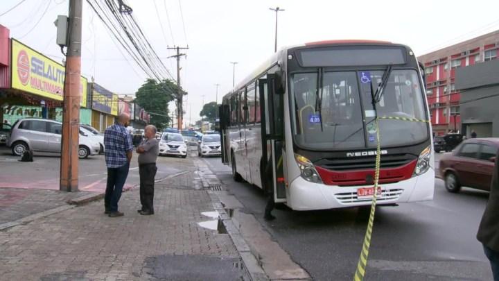 Assalto a ônibus deixa uma passageira morta e dois feridos na Zona Norte do Rio