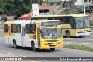 Homem é baleado ao assaltar ônibus em Salvador