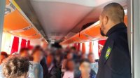 PRF flagra ônibus escolar com excesso de passageiros na Bahia