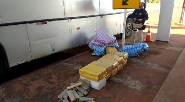 PRF prende 11 com droga em ônibus de turismo no Mato Grosso do Sul