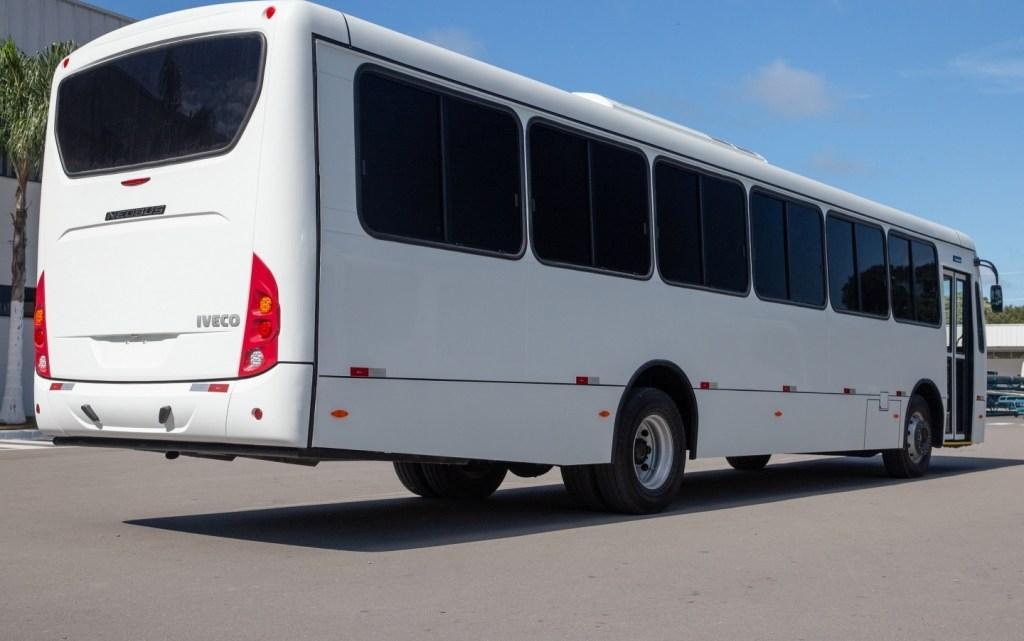 Força Aérea Brasileira renova frota de ônibus
