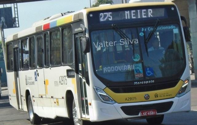 Rio tem um ônibus assaltado há cada 30 minutos, diz jornal