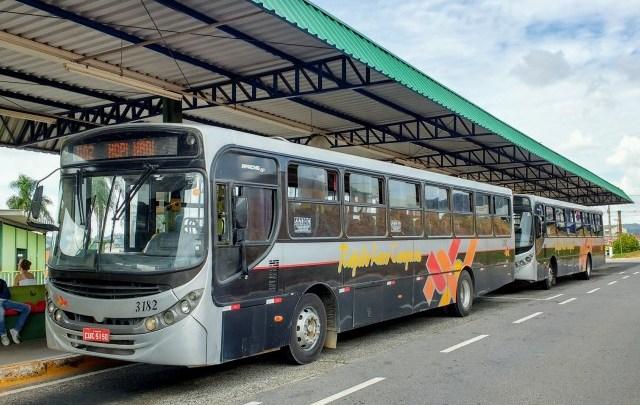 SP: Ônibus é alvejado com tiros em Campo Limpo Paulista