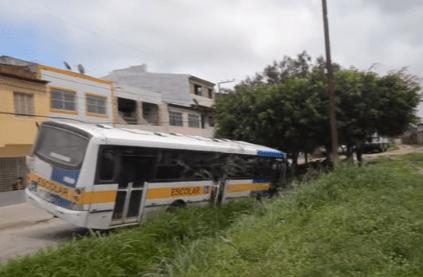 Homem rouba ônibus no interior de Pernambuco