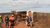 DF: ônibus escolar tomba deixando 13 feridos nesta quinta-feira 29