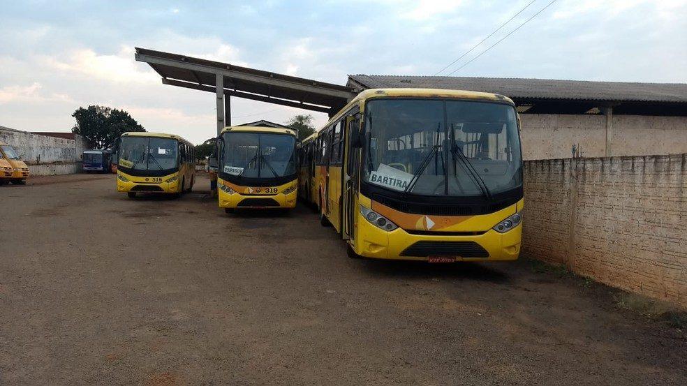 PR: ônibus voltam circular em Rolândia após acordo