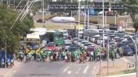 Baleiros realizam manifestação em Salvador