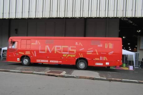 Ônibus biblioteca chega a Bienal do Livro no Rio