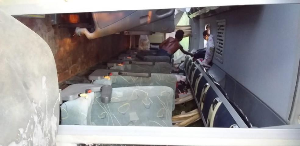 Polícia segue investigação sobre acidente com ônibus que matou adolescente no Acre