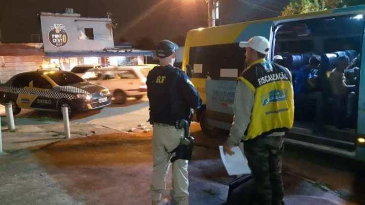 PRF intensifica fiscalização de vans nas rodovias federais do RJ