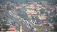 Manifestação na Ponte Internacional da Amizade deixa o trânsito lento em Foz do Iguaçu