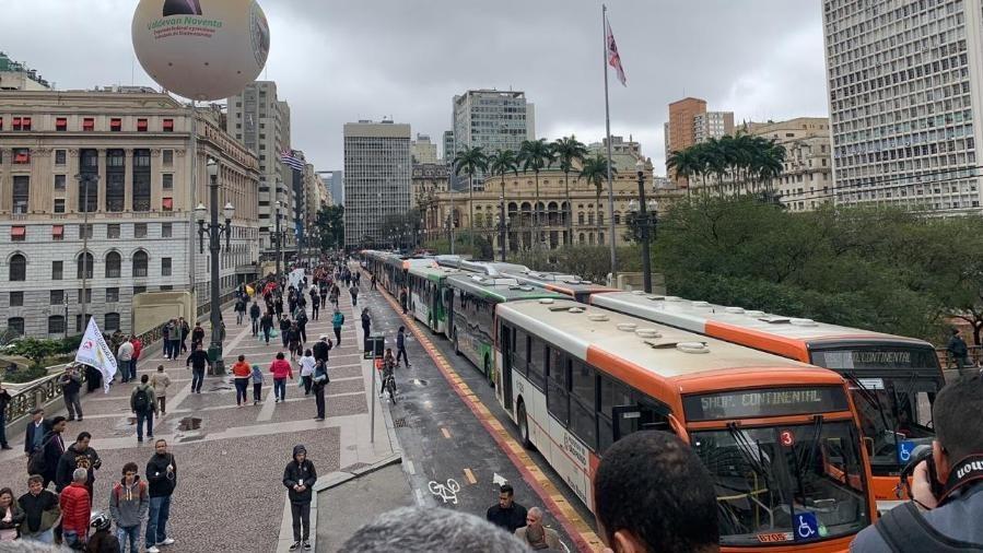 Rodoviários de São Paulo realizam protesto e paralisa terminais